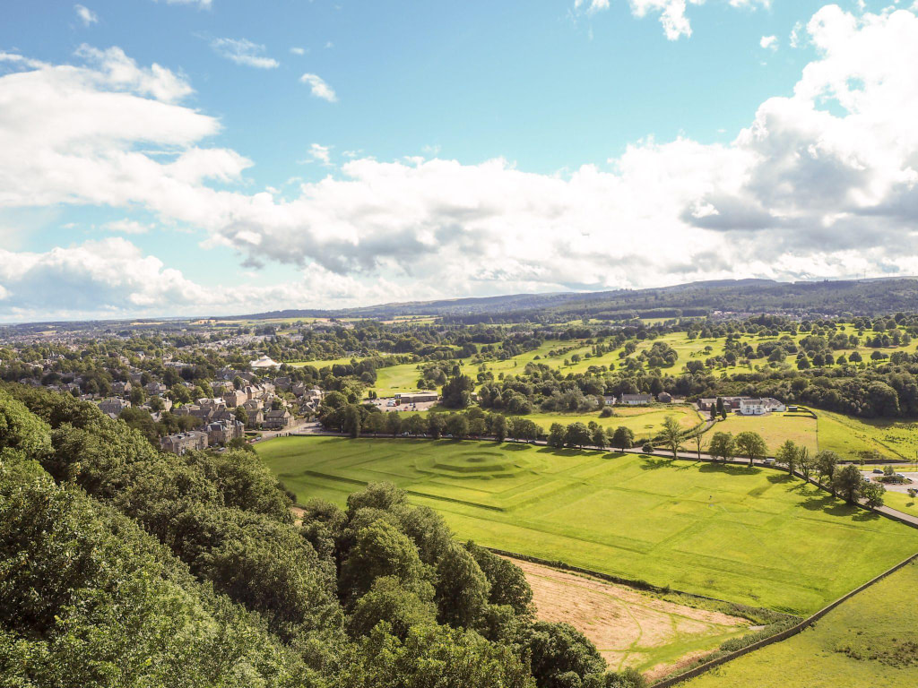 view of lawns stirling castle with discover scotland tours