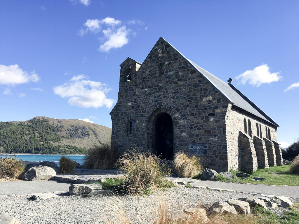 lake tekapo church wild kiwi