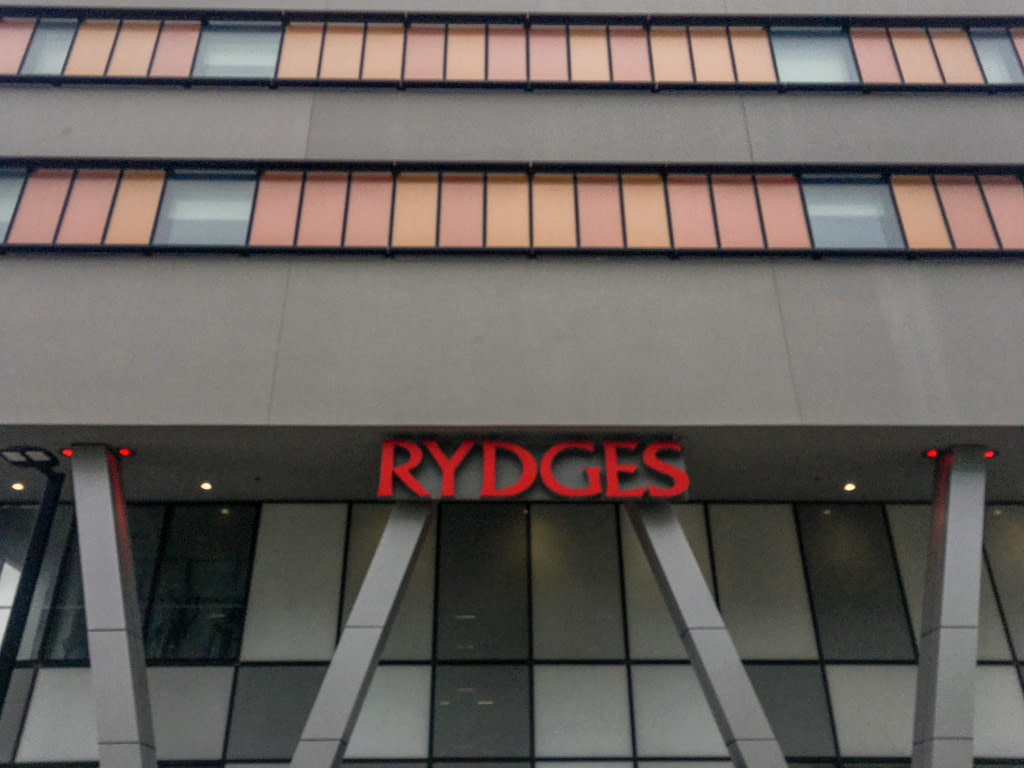 Rydges Wellington Airport hotel entrance