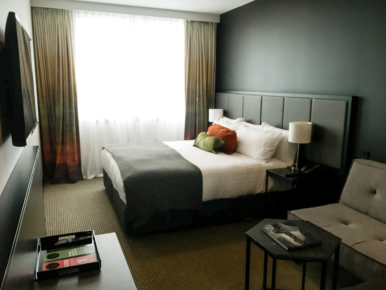 Rydges Wellington Airport hotel room